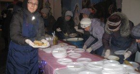 Різдвяний Обід для безхатченків та бідних в Житомирі